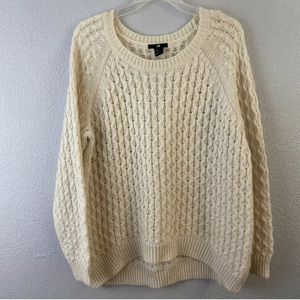 H&M LS Ivory Cable Knit Hi Low Round Neck Sweater